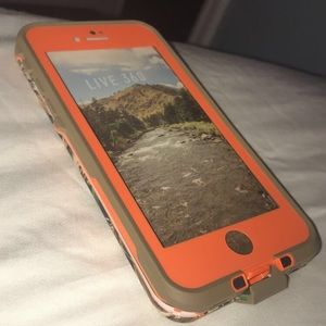 Apple iPhone 7 Camo Lifeproof Fre Case